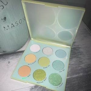 Aura & Out Colourpop Eyeshadow Palette